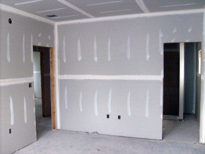 Возведение стен из ГКЛ в квартире